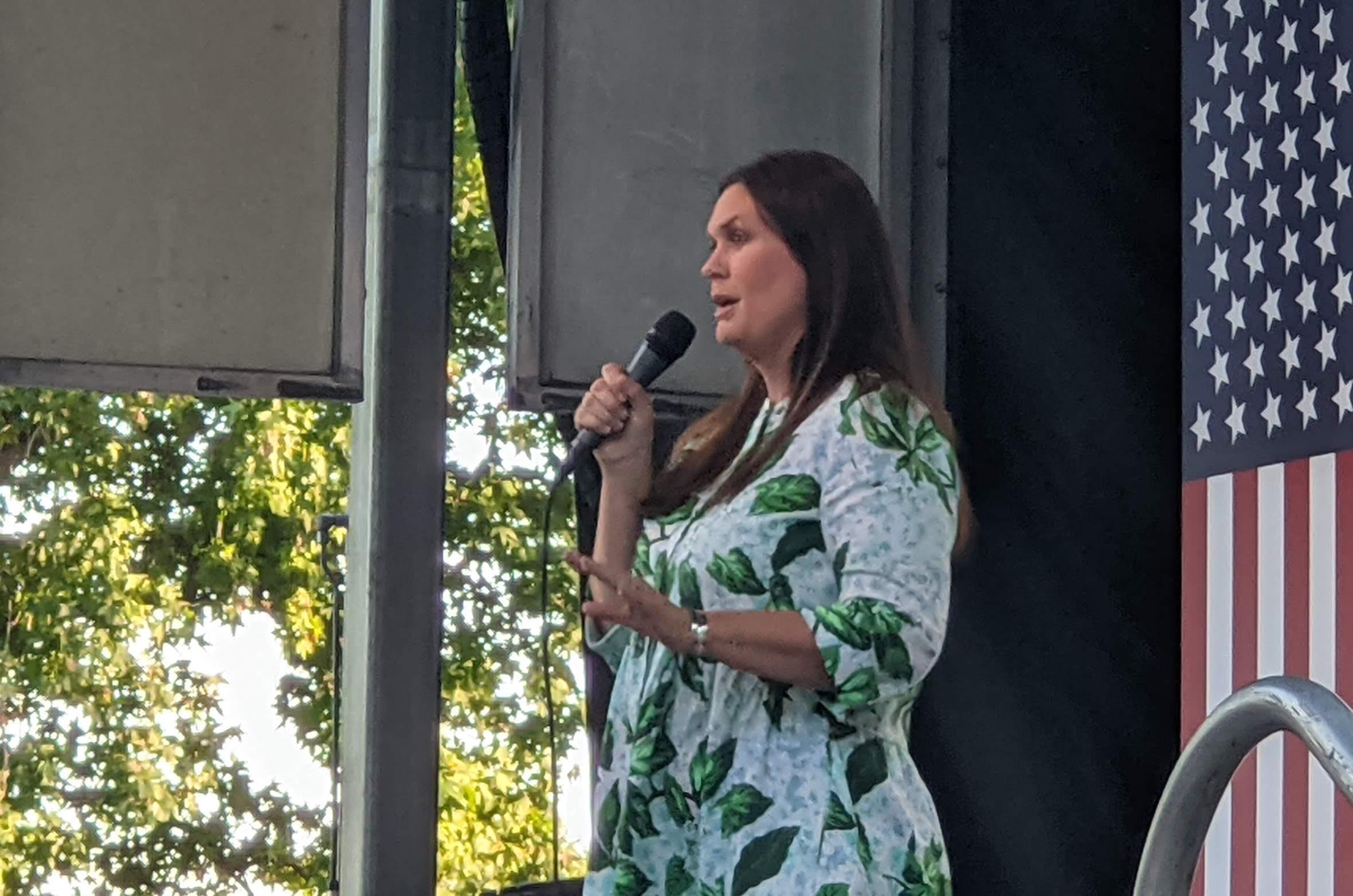 Sarah Sanders 2